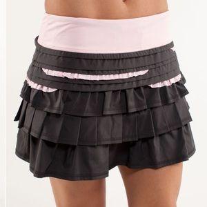 RARE Lululemon Back On Track Skirt 4 Grey Pink